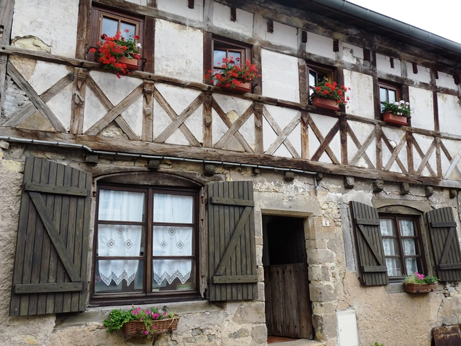 Maison pan de bois vic sur seille